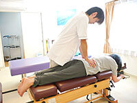 ③身体全体のバランスを調整する施術